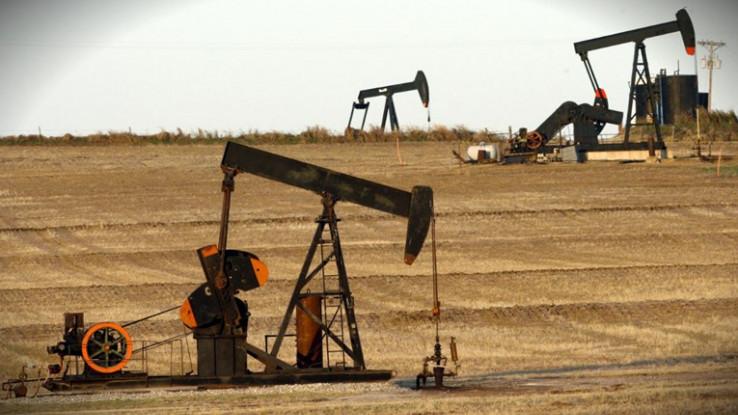 Posljednjih mjeseci cijene su nafte rasle jer su se ulagači nadali brzom oporavku globalne privrede - Avaz, Dnevni avaz, avaz.ba